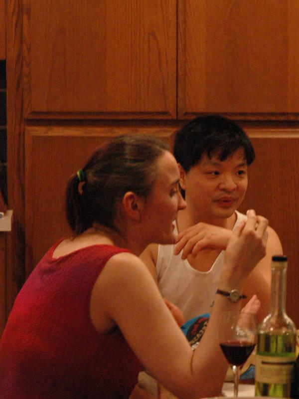 LJ:karisu_sama and LJ:didjiman discuss fine points of something or other.