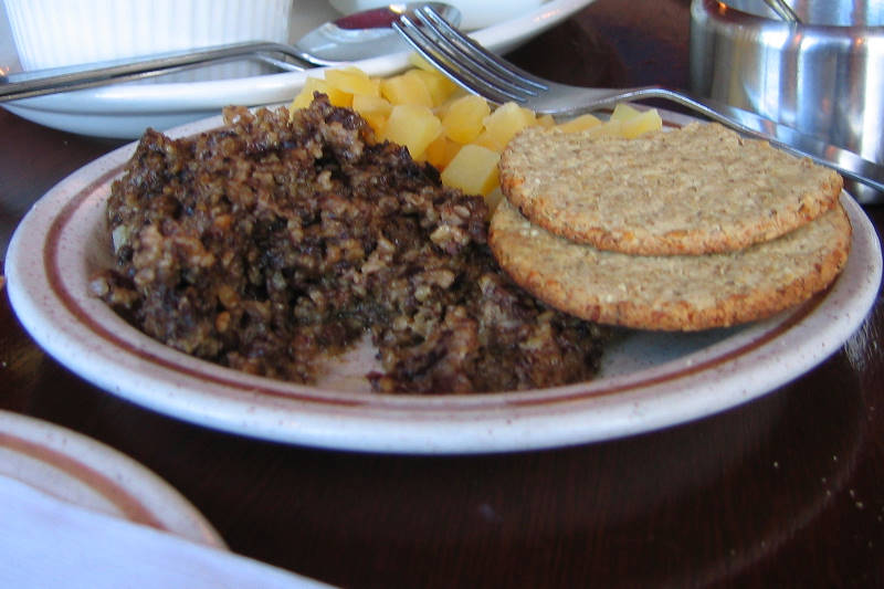 aaaa0055.jpg Haggis, Neeps and Oatcakes (Neeps are turnips). It really wasn't bad at all.