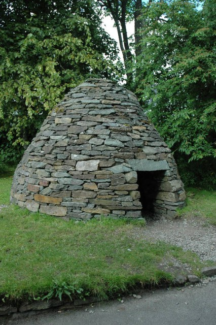 aaaa0065.jpg One third scale recreation of beehive hut design used by ancient Gaelic peoples